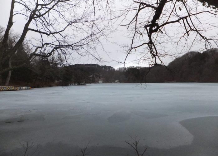 結氷した松原湖