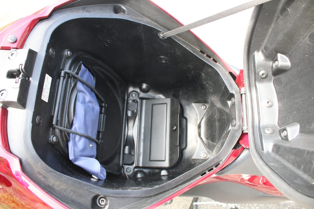 NC750s ラゲッジスペースの内部