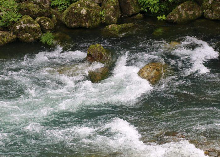 滝沢ダム下流の中津川