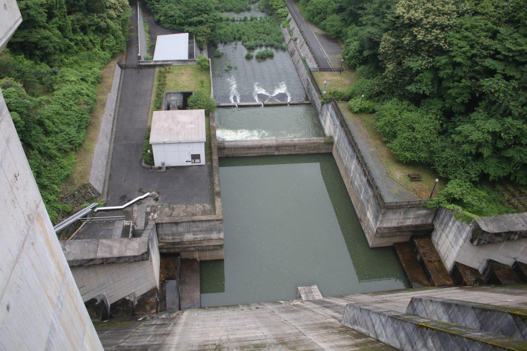 合角ダムの減勢工