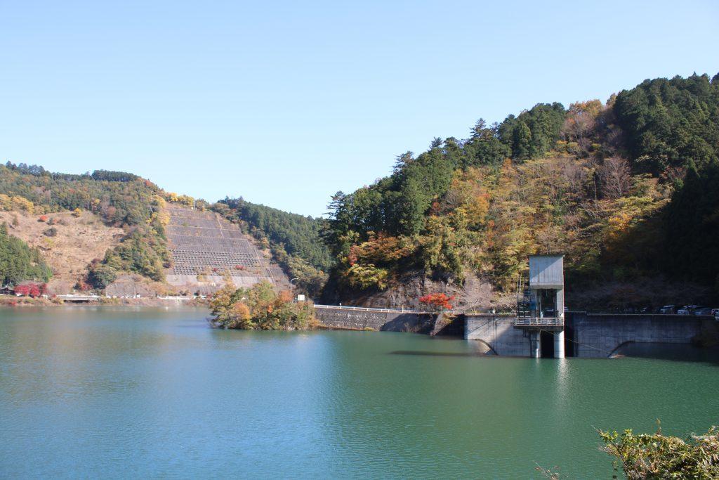 名栗湖と紅葉(2020年11月)