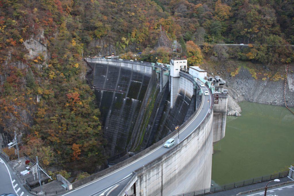 水が少ない二瀬ダム(2020年11月)
