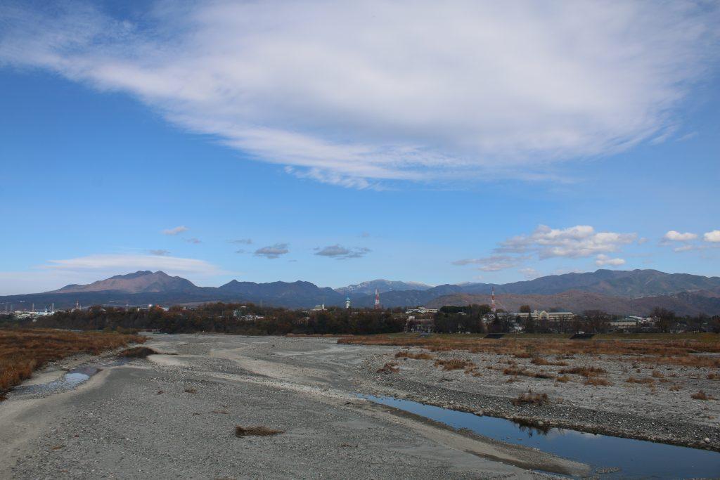 釜無川にかかる橋から北を望む(2020年11月)