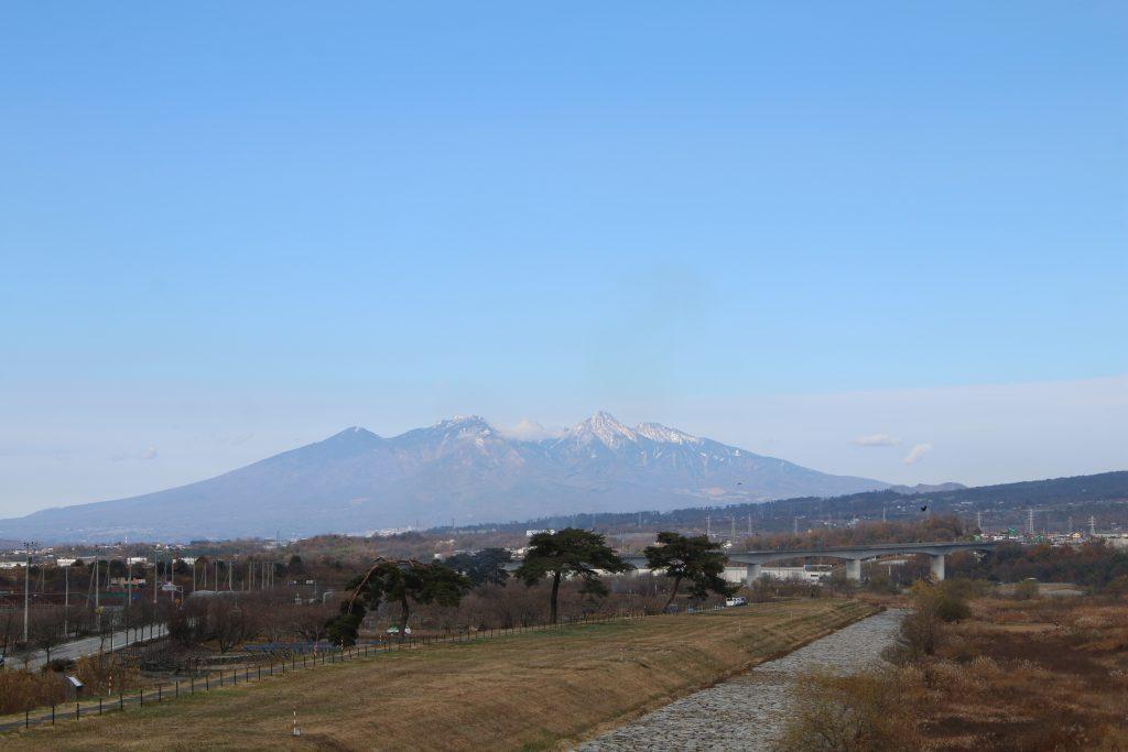 釜無川堤防から八ヶ岳を望む(2020年11月)