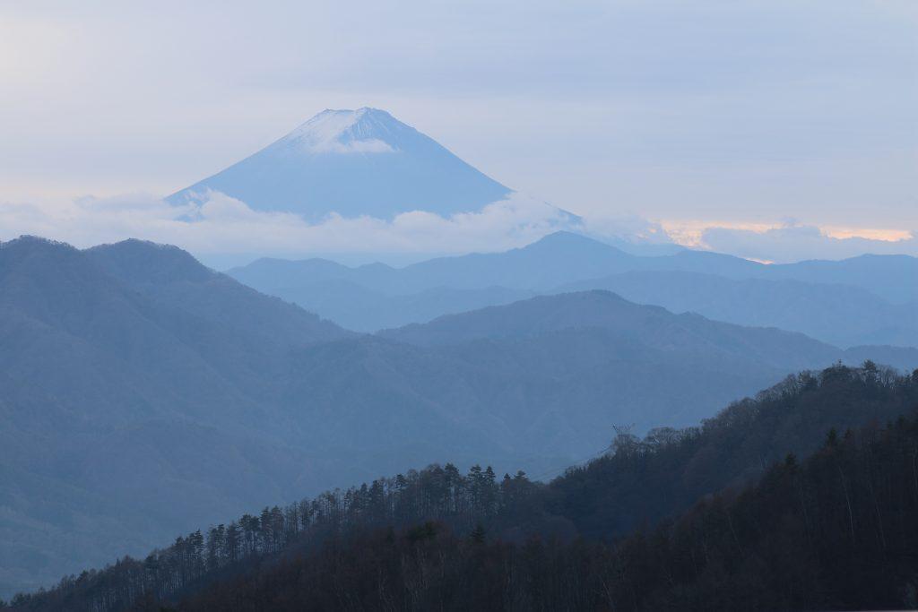 柳沢峠から富士山(2020年11月)