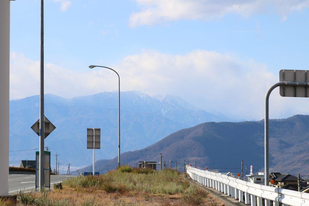 国道20号から北岳を望む(2020年12月)
