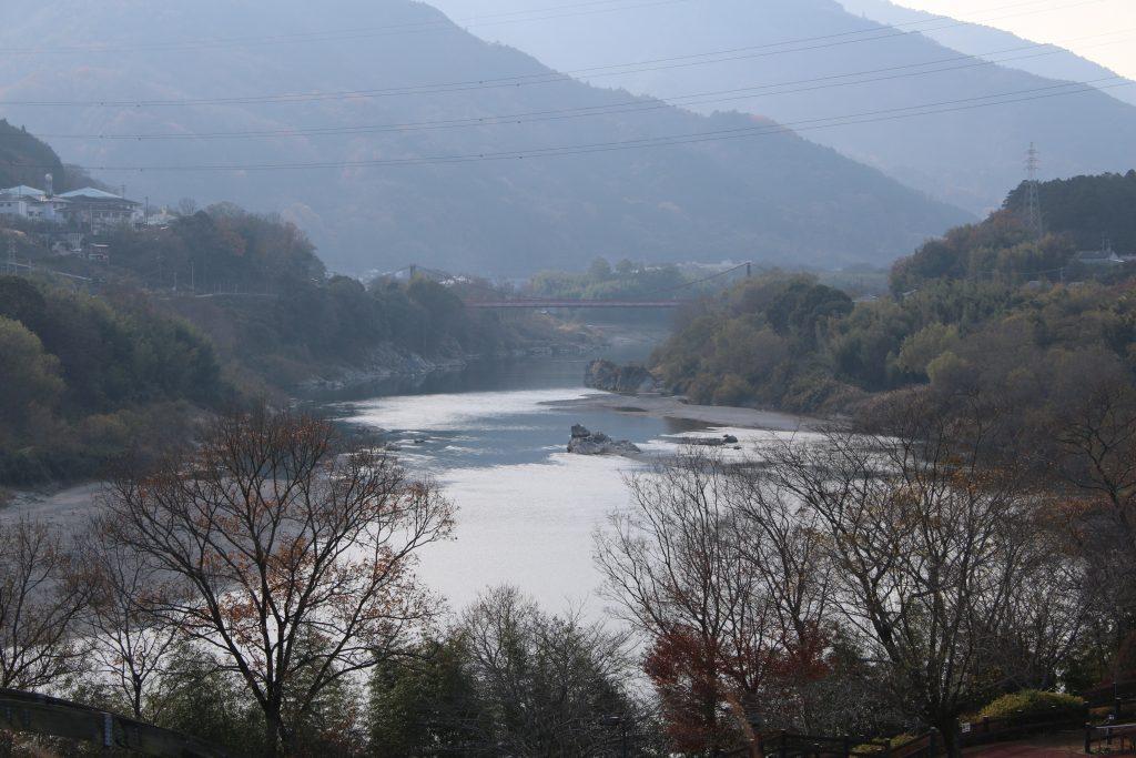 吉野川の中流域(2020年12月)