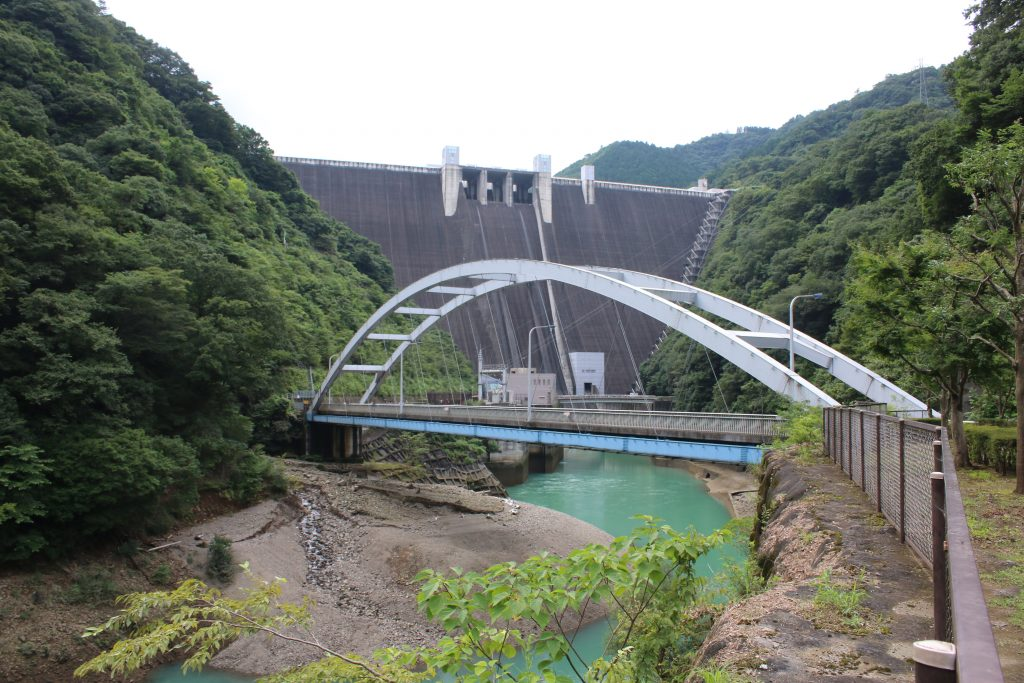 宮ヶ瀬ダムと愛川第1発電所(2020年8月)