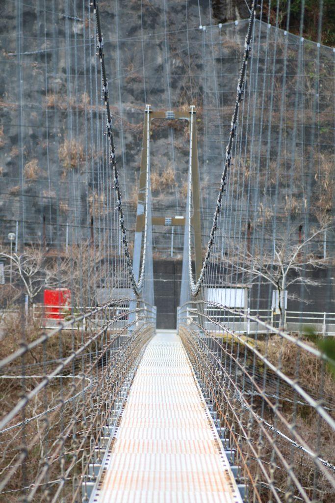 大橋貯水池のつり橋(2020年12月)