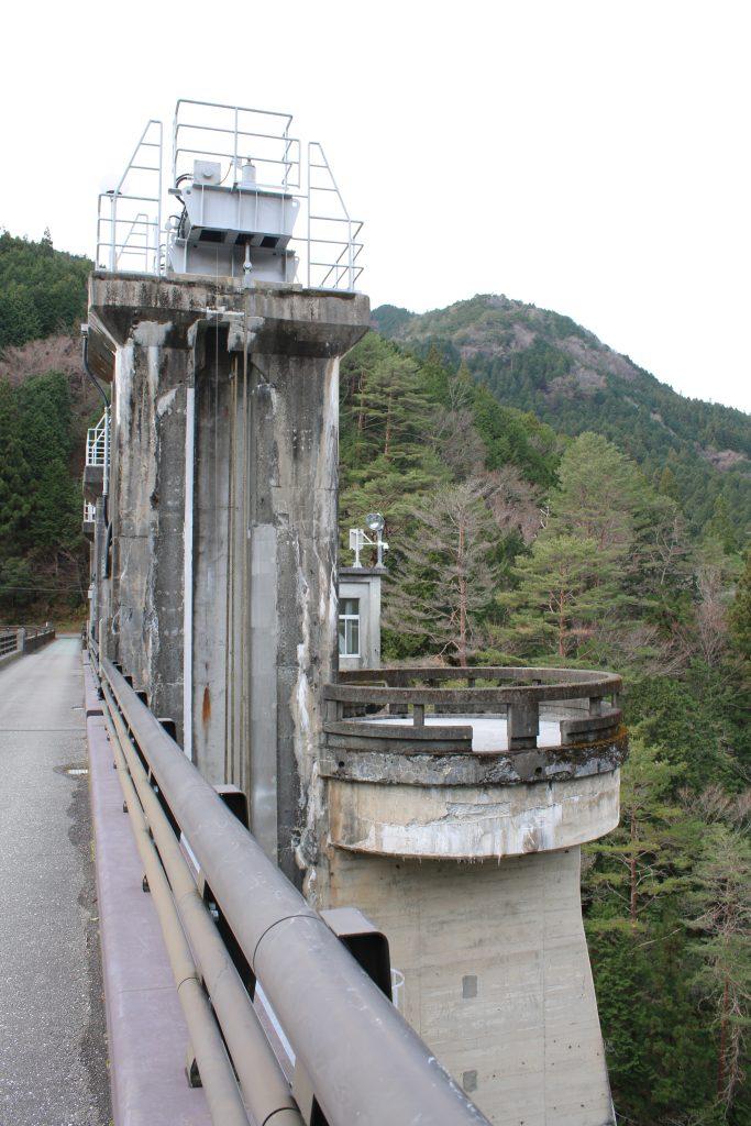 大橋ダムの目視点検用テラス?(2020年12月)