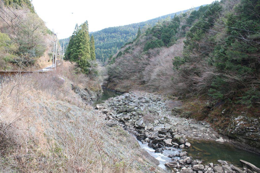 長沢ダム下流の風景(2020年12月)