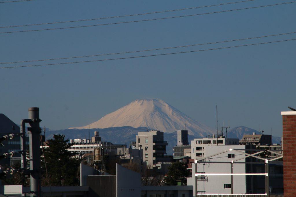 某駅から富士山(2021年1月)