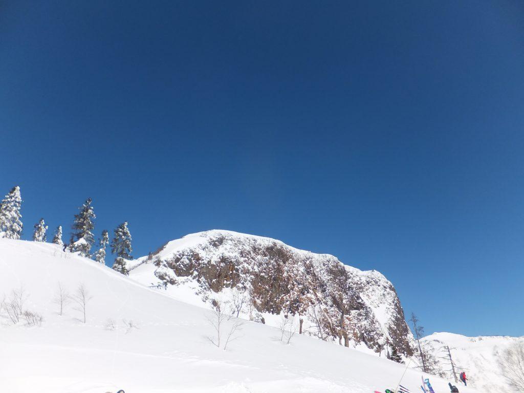 川場スキー場から無名峰(2021年2月)