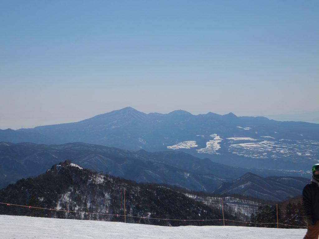 川場スキー場から赤城山を望む(2021年2月)