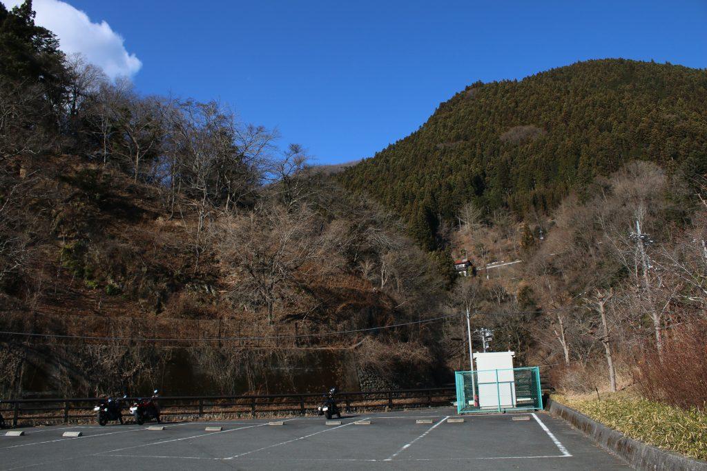 小河内ダムの駐輪場(2021年1月)