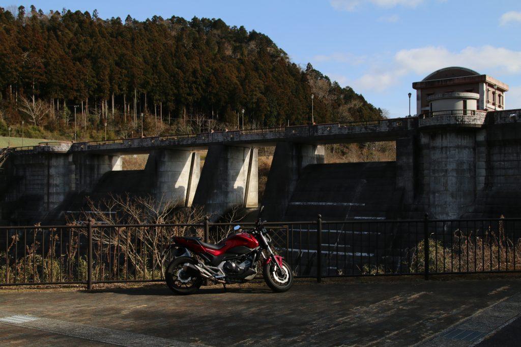 片倉ダムとNC750S(2021年2月)