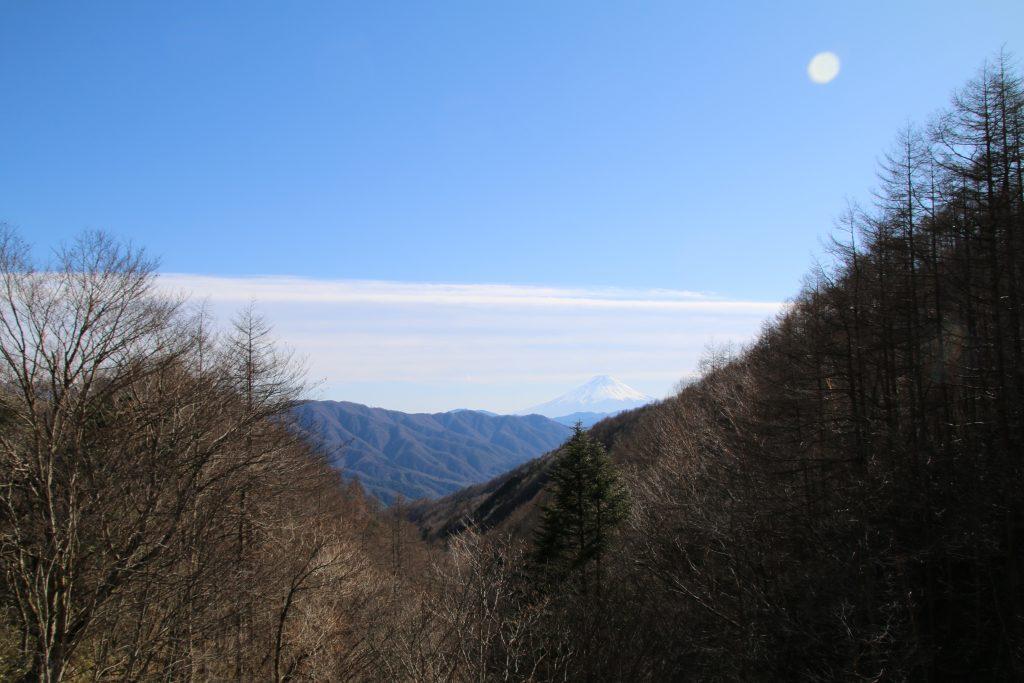柳沢峠からみる富士山(2021年2月)