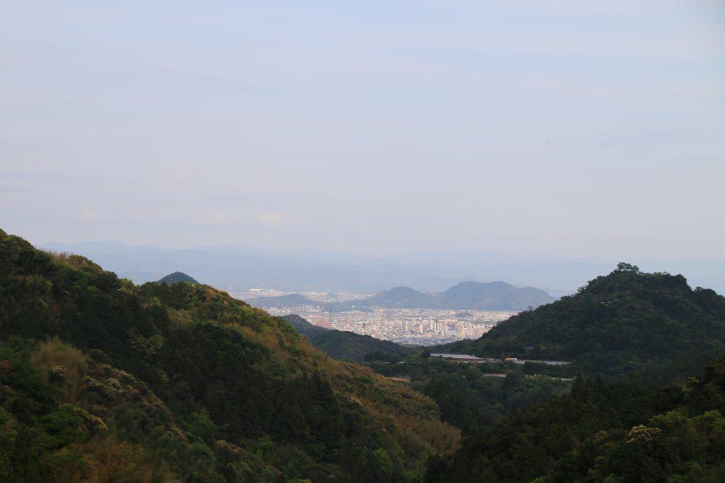 高知県道33号線から高知市内を望む(2021年4月)