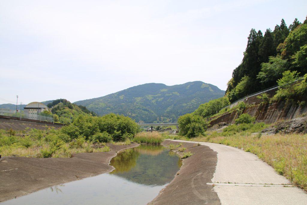 早明浦ダム直下流の水たまり(2021年5月)