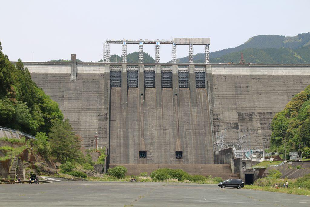 早明浦ダムとNC750S(2021年5月)