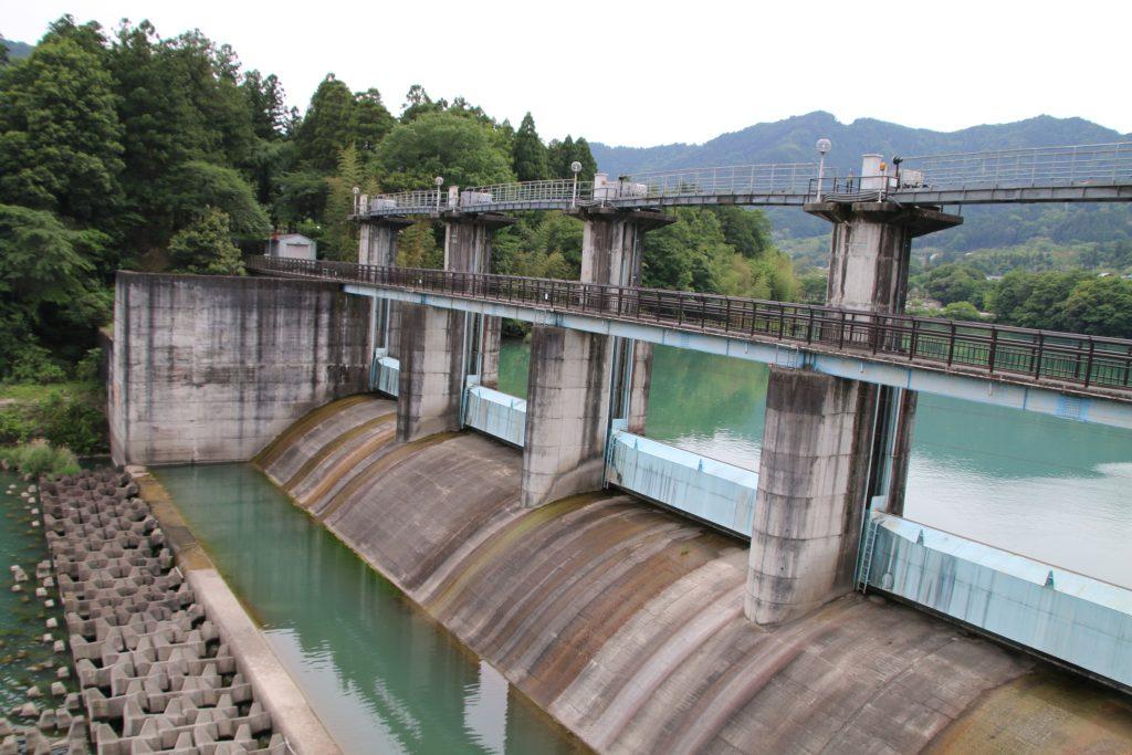 神水ダム堤体(2021年5月)
