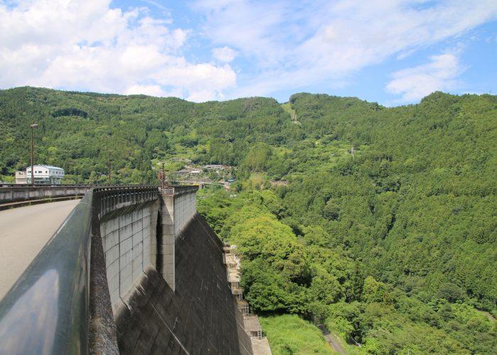下久保ダム補助ダムの堤体(2021年6月)
